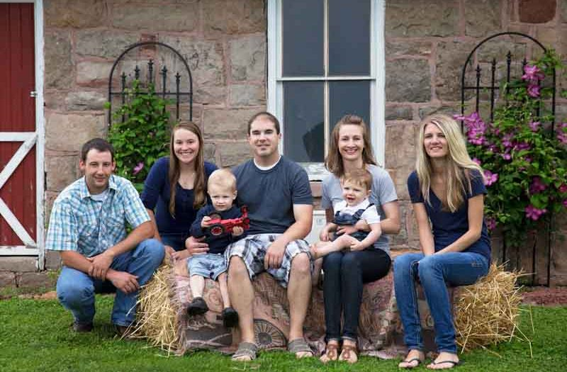Family Pictures in Portage, Wisconsin